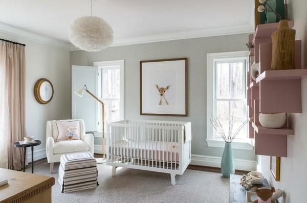 mädchen babyzimmer weiße möbel rosa wandregal helle wände