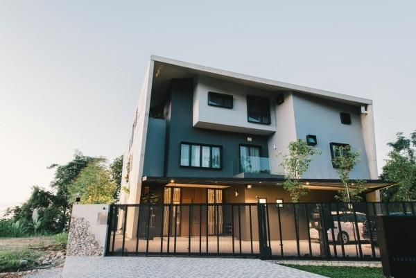moderne architektur mehrfarbige fassadengestaltung