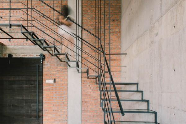 moderne architektur treppe aus metall