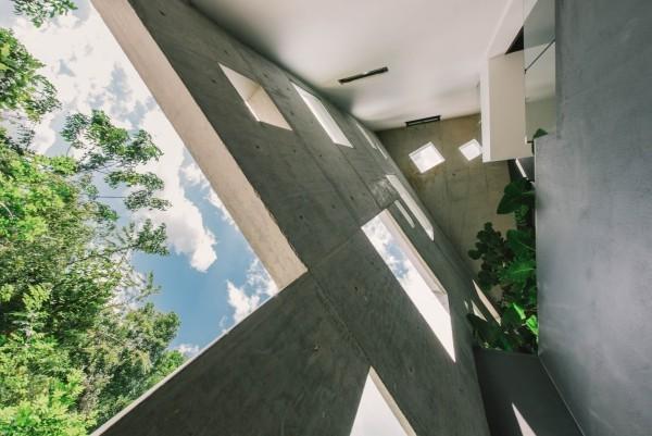 moderne architektur zwischenraum vor der fassade