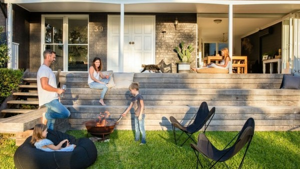 outdoor küche garten lounge mit caming einrichtung