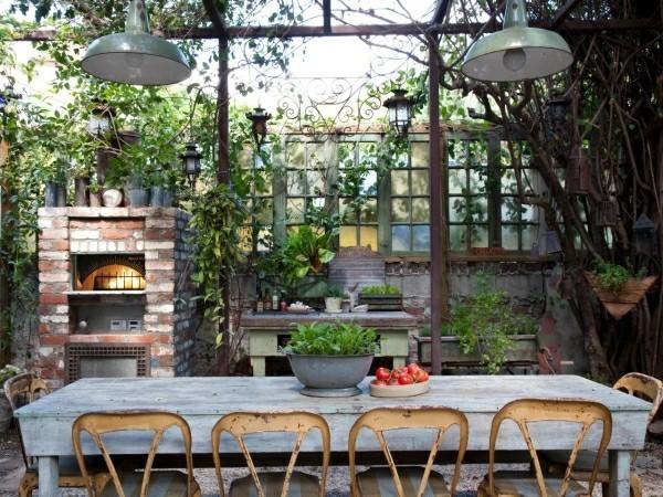 outdoor küche viele sitzplätze zum sitzen garten lounge