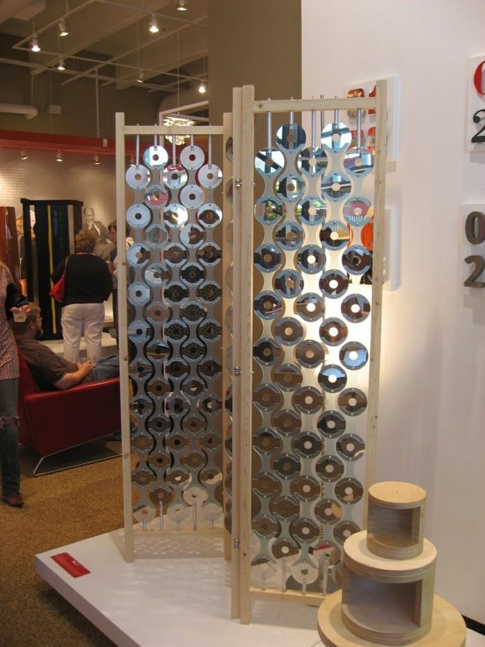 recycling bastelin mit cds upcycling ideen deko ideen gartengestaltung raumtrenner