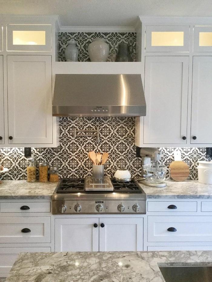vintage fliesen küchenrückwand ideen weiße küchenschränke