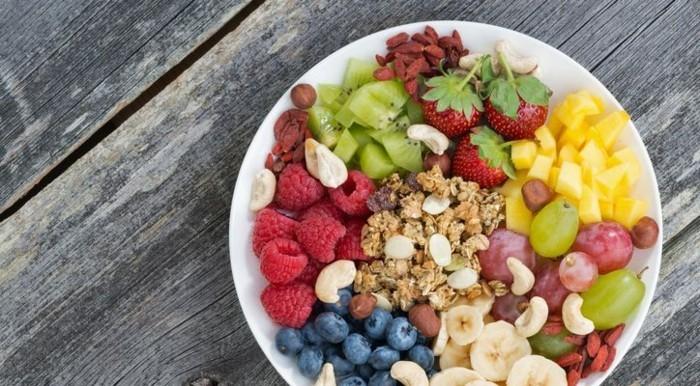 was tun gegen heißhunger obst nüsse essen