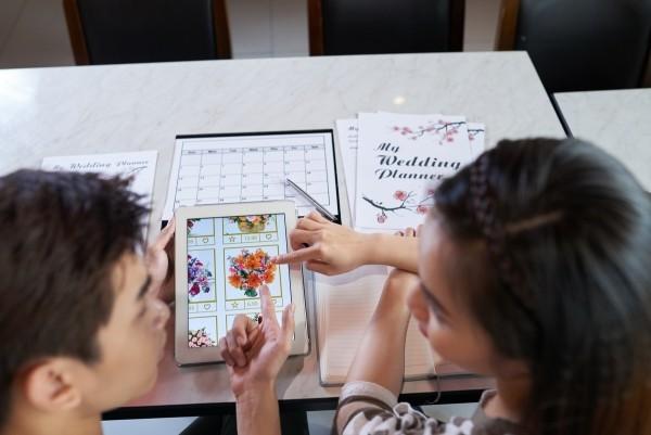 Brautstrauß aussuchen online bestellen Hochzeit planen organisieren