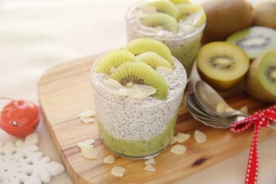 Chia Samen Pudding Kiwi ketogene Diät Weihnachtsfrühstück