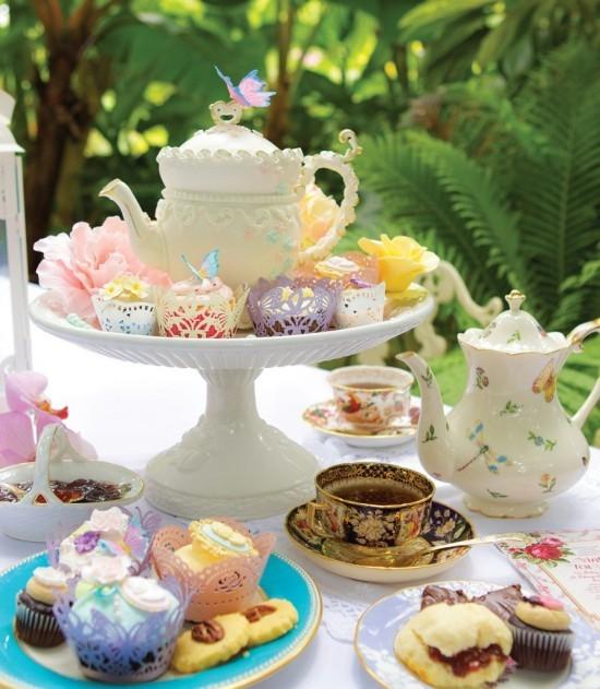Eleganter Kuchenständer