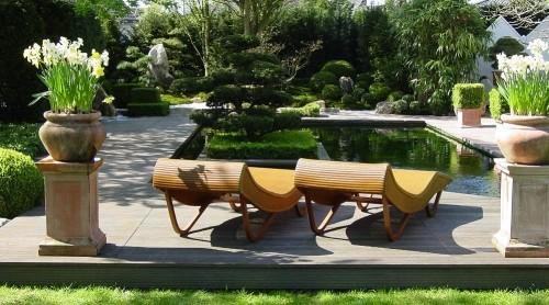 Feng Shui Gartenideen Relax-Zone Liegestühle Bambus viel Grün
