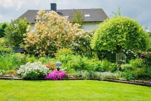 Gartenideen Blumen Sträucher Bäume sehr ansprechend Feng Shui Regeln