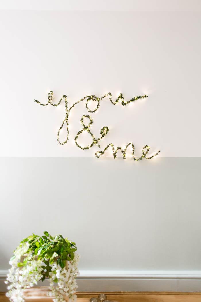 diy ideen lichterkette thema f r verliebte als deko idee f r die wandgestaltung. Black Bedroom Furniture Sets. Home Design Ideas