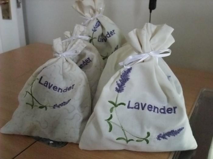 Ungeziefer bekaempfen gartenpflanzen gegen muecken basilikum kerzen selber machen tuete