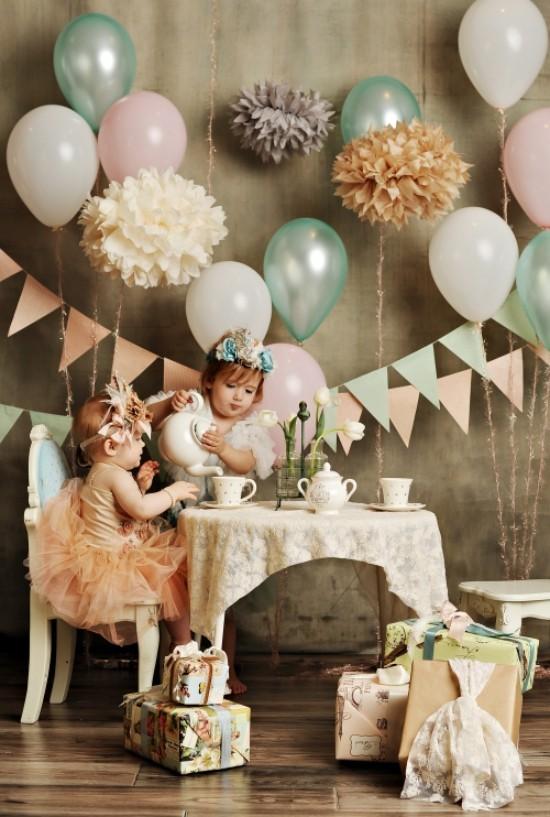 Vintage Tee Party Deko Ballons Girlanden Vintage Kleidung
