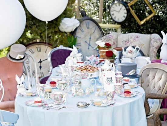 Vintage Tee Party Deko sehr auffallend