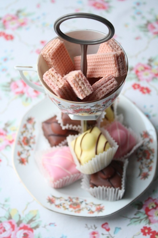 Vintage Tee Party Deko viel Schönes zum Naschen ideen