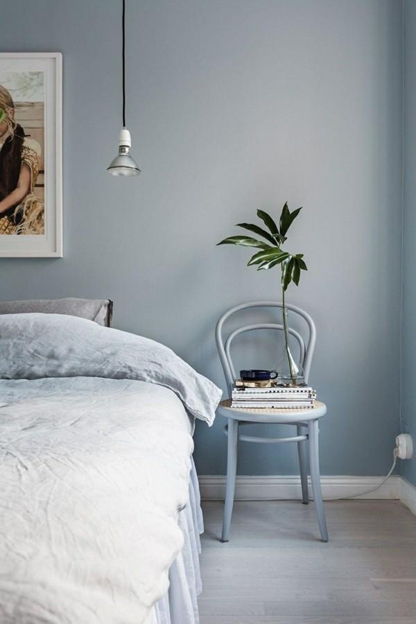 wandfarbe hellgrau schlafzimmer weiße bettwäsche