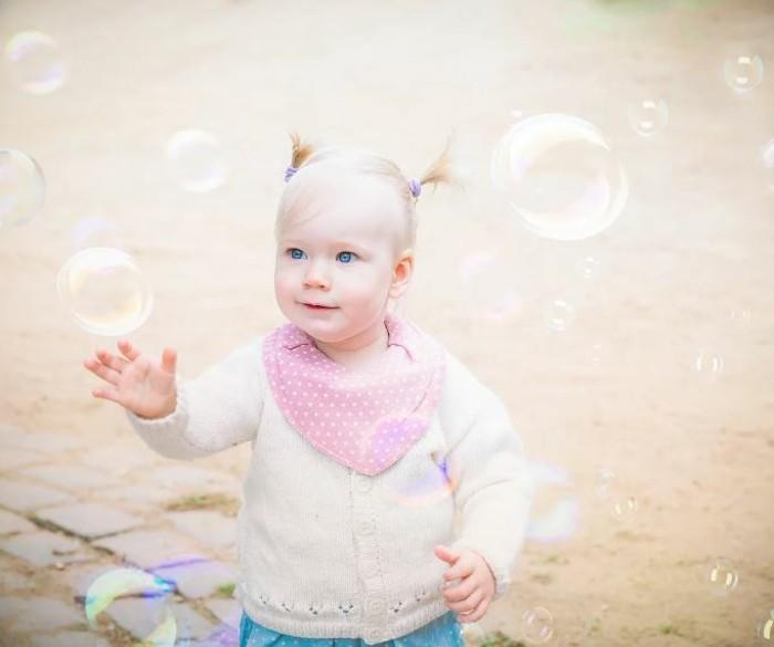 baby fotos ideen fotoshooting ideen kreativ lustige babybilder seifenblasen
