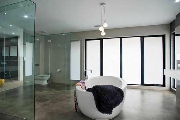 bad neu gestalten weiße badewanne