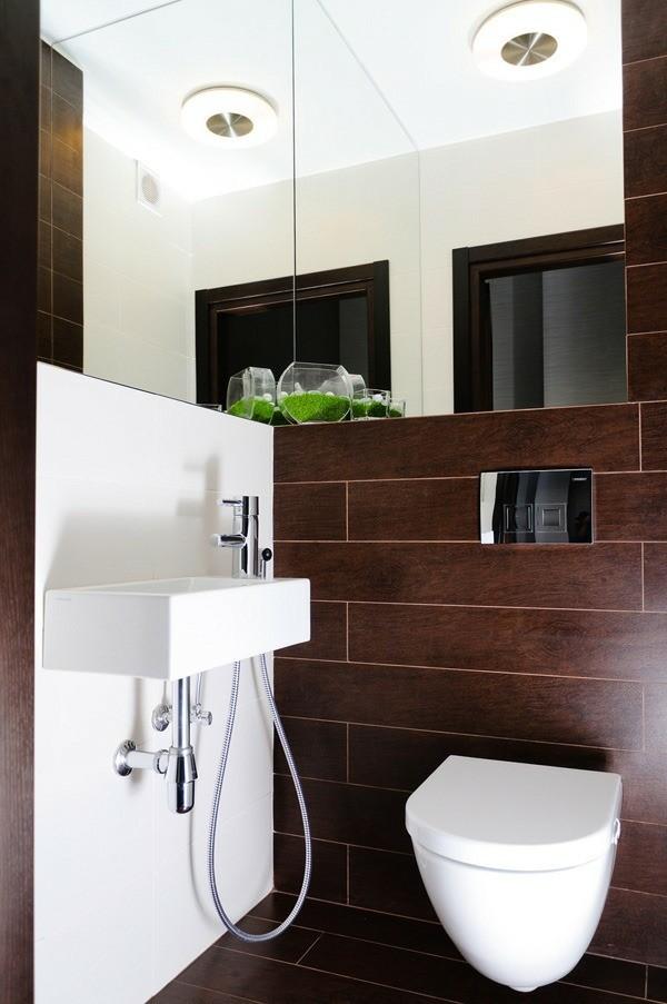 badezimmer braun braune badfliesen weiße elemente