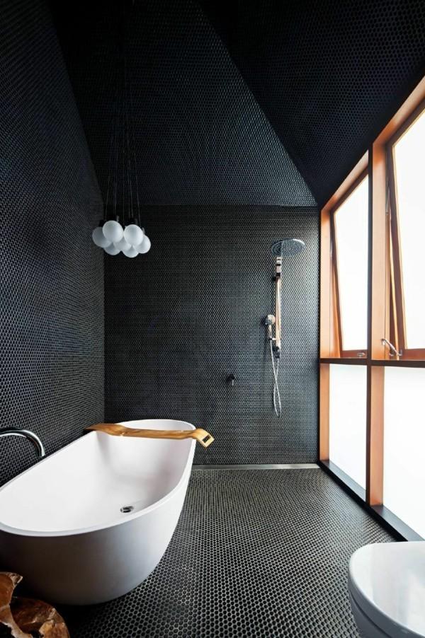 badezimmer schwarz ausgefallene wandgestaltung weiße badmöbel