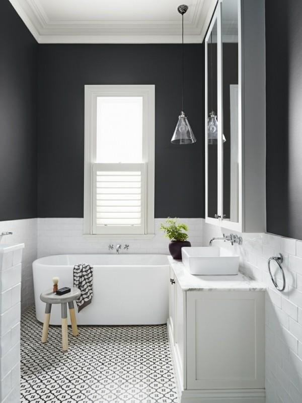 badezimmer schwarz schwarze wände schwarz weißer boden weiße möbel