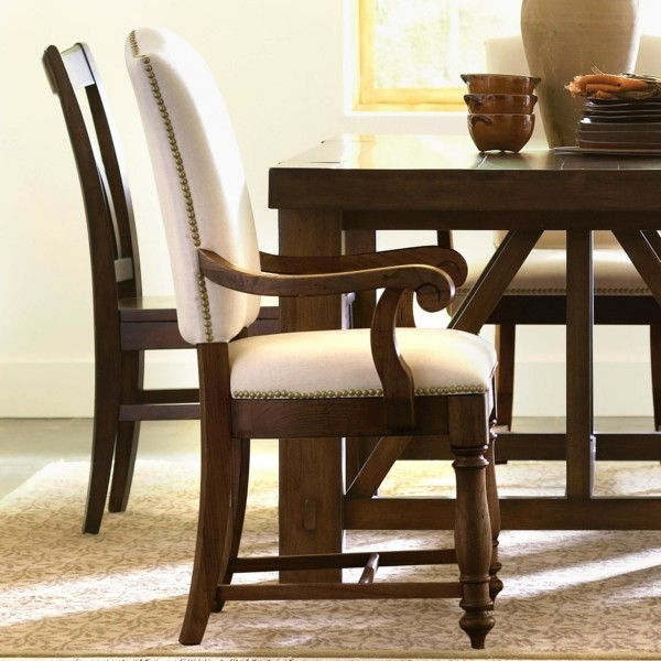 bequeme esszimmerst hle mit armlehne machen essen und unterhalten am tisch angenehmer. Black Bedroom Furniture Sets. Home Design Ideas