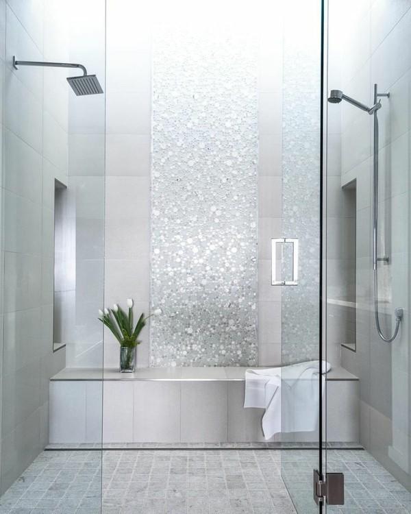 glastüren elegant durchsichtig geräumiges badezimmer