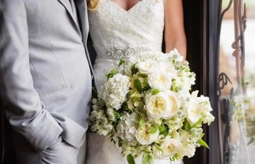 hochzeit feiern braut und bräutigam brautsrauß