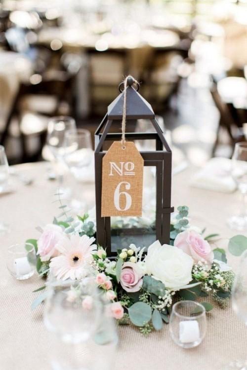 hochzeit feiern tisch dekorieren tischnummer vintage deko