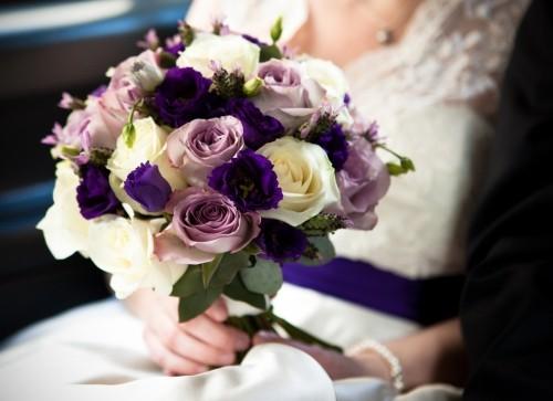 hochzeit feiern vintage hochzeitsstrauß rosen