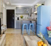 Inneneinrichtung einer trendingen kleinen Wohnung mit exotischen Details