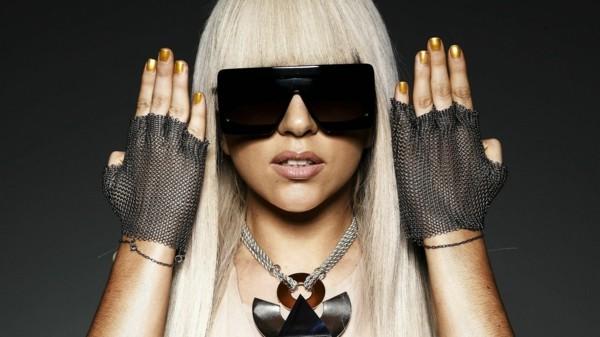 lady gaga sonnenbrille goldene nägel