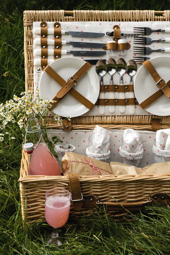 messer und teller und gabel picknick ideen
