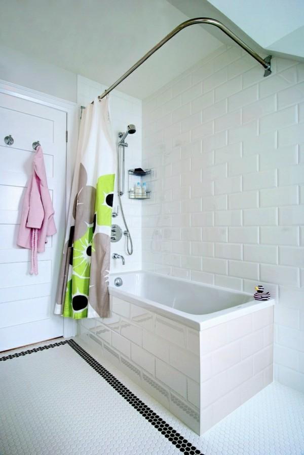 metro fliesen bad weißes badezimmer schwarze elemente