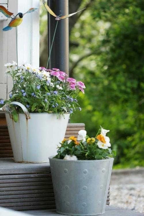 topfblumen eingang treppen dekorieren