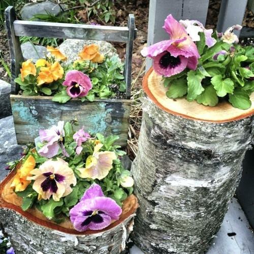 topfblumen kreative dekoideen rustikal baumstümpfe