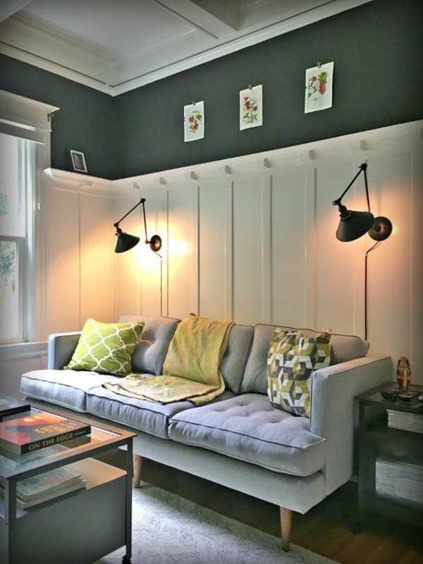 wandleuchten innen wohnzimmer graues sofa