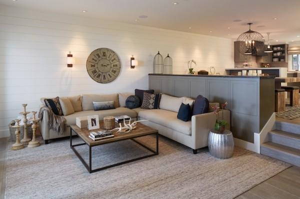 wandleuchten innen wohnzimmer wanduhr heller teppich