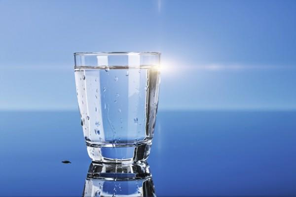 wassertest wasser trinken gesund trinkwasser testen