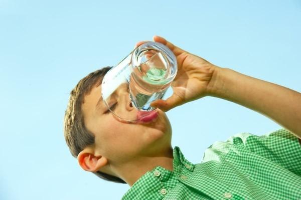 wassertest wasserqualität überprüfen gesundes wasser trinken