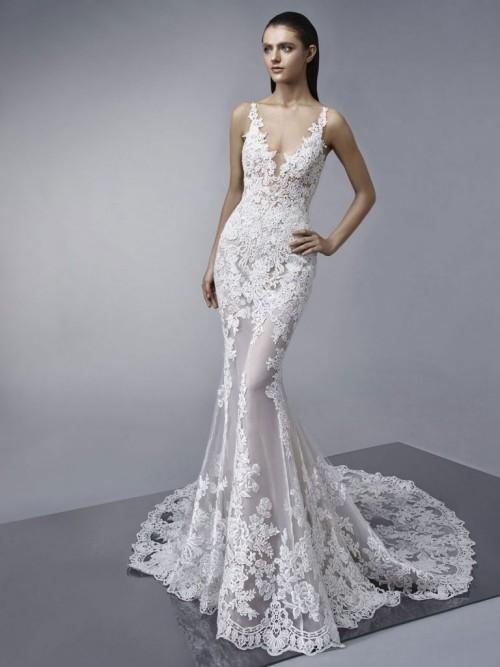 weißes kleid glänzender stoff hochzeit feiern