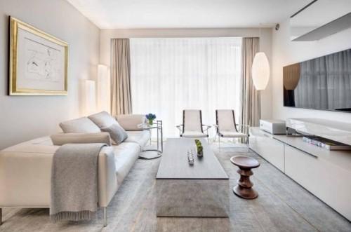 wohnzimmer einrichten ideen helle farben geräumig