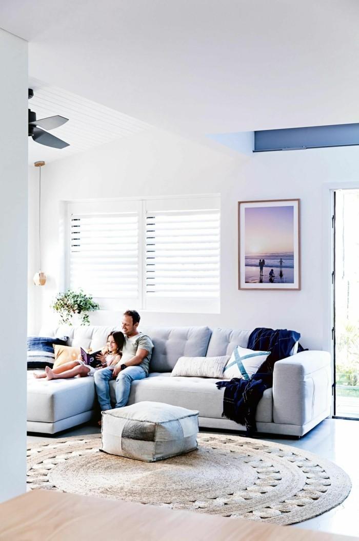 wohnzimmer einrichtungsideen farbe flieder akzent klien