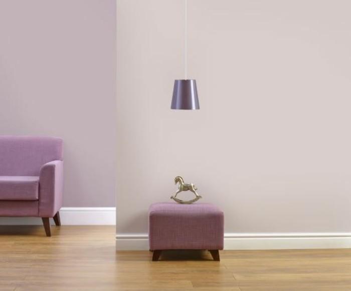 wohnzimmer einrichtungsideen farbe flieder langsam aufbau