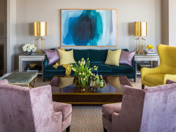 wohnzimmer einrichtungsideen farbe flieder sessel