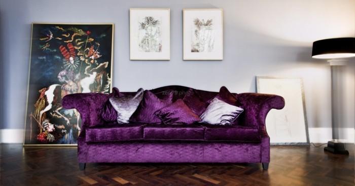 wohnzimmer einrichtungsideen farbe flieder sofa