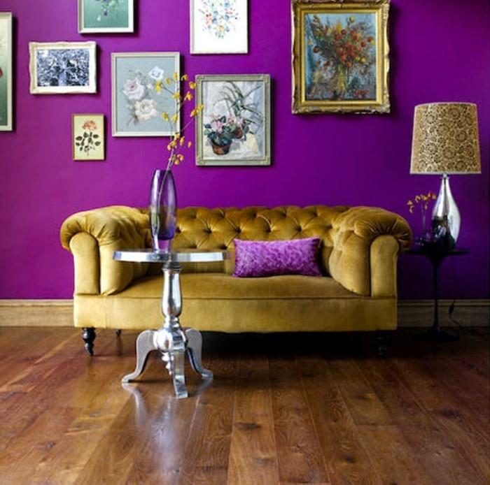wohnzimmer einrichtungsideen farbe flieder und gold