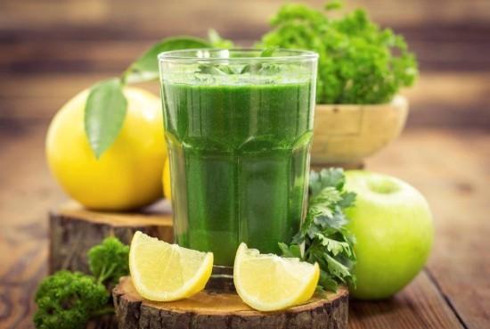 Frischer grüner Smoothie