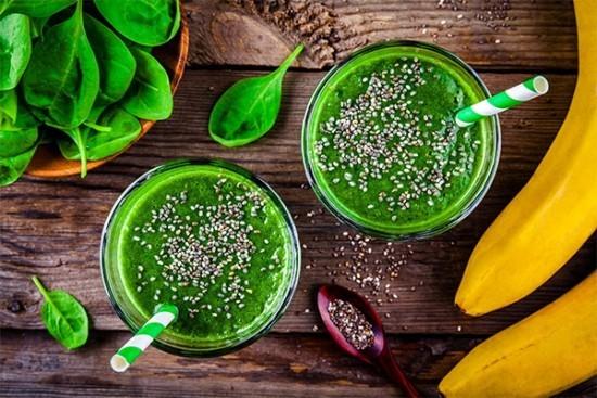 Grüne Smoothies Protein Shakes Spinatblätter