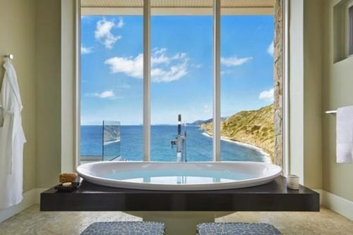 Luxusurlaub Badewanne herrlicher Blick türkisfarbenes Meer